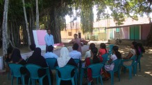 Planning with volunteers in Ampara